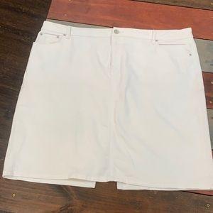 3 FOR $20 Westport White Stretchy Short Skirt 20